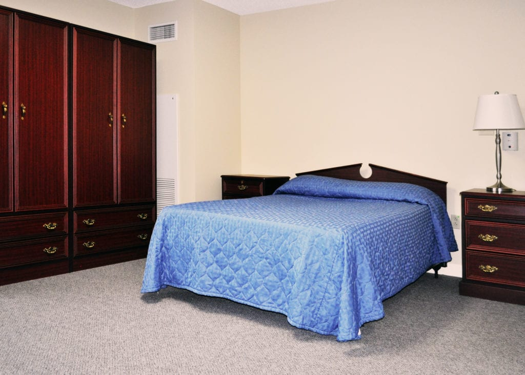 Hultquist Place Couple Room Full